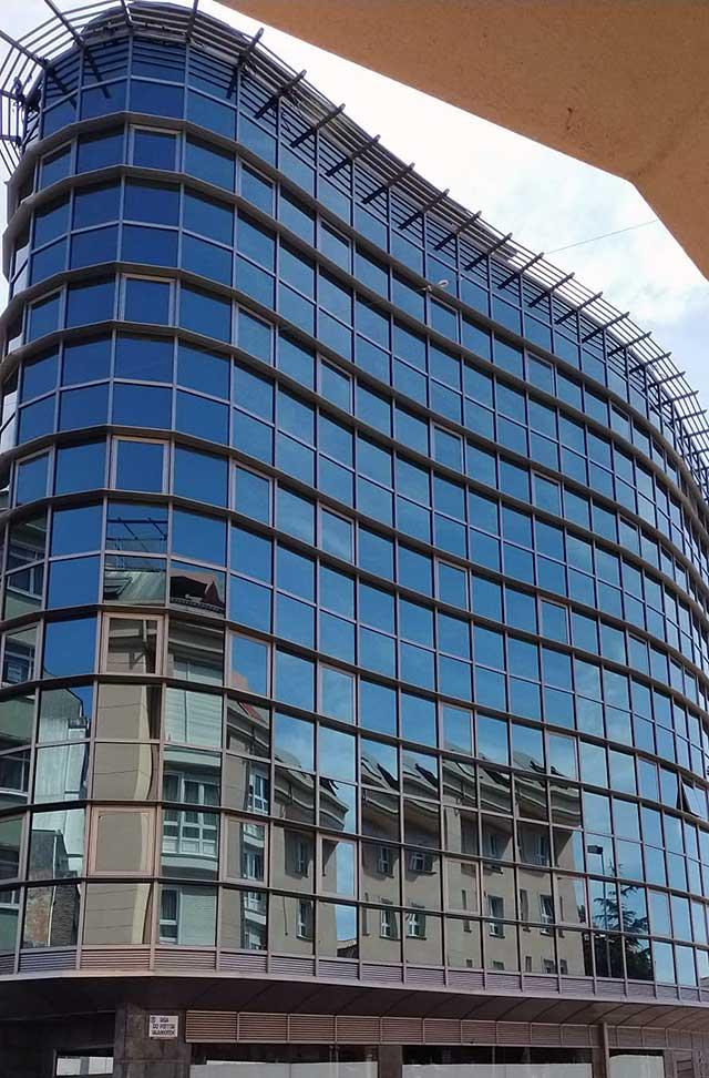 Edificio en Sada
